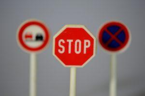 Die Verkehrsregeln müssen jede denkbare Verkehrssituation in irgendeiner Form erfassen.